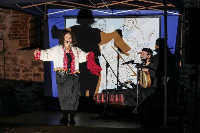 https://festiwalopowiadania.pl/wp-content/uploads/2021/09/Dzieci-Drzewa-18-listopada-godz.-10.00.jpg